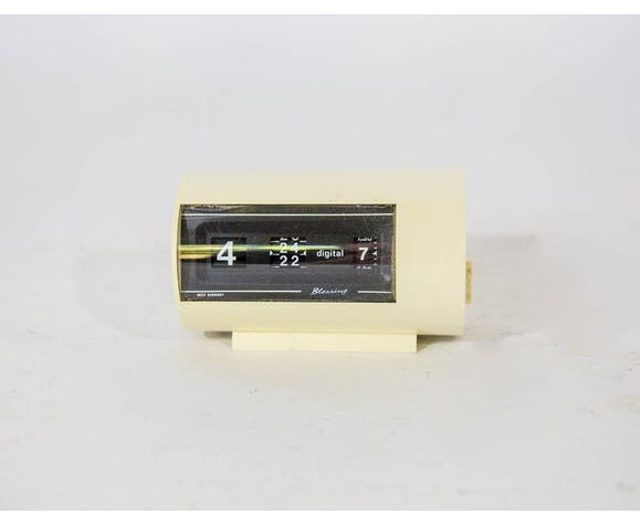 Table clock of the 70s