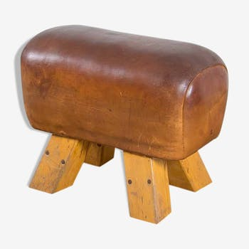 Early leather pommel horse ca.1920