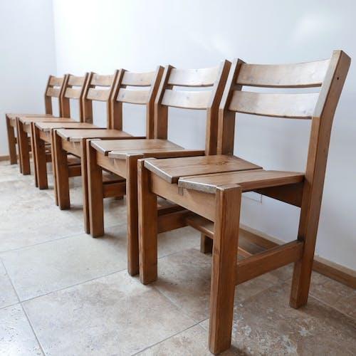Ensemble de six chaises de salle à manger du milieu du siècle pour Les Arcs
