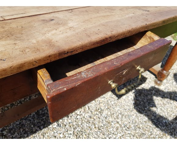 Table ferme en merisier