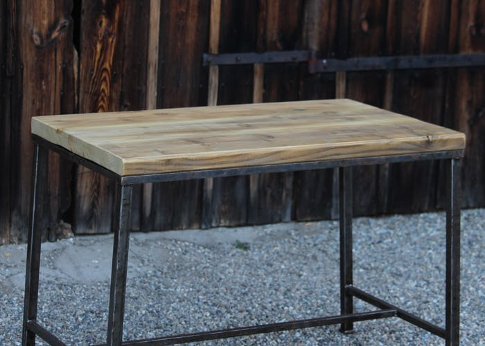 Small table in wood and metal