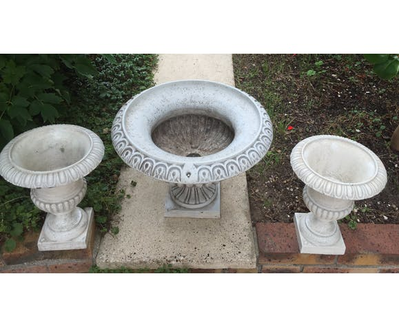 Set of planters: clasp and cast iron pots