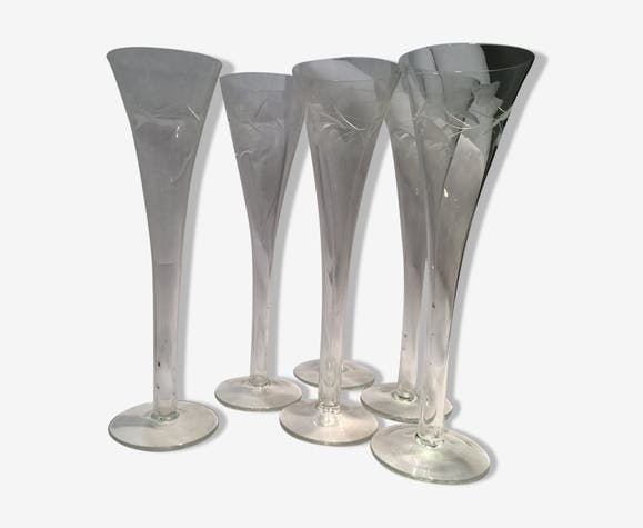 Series of six large flutes