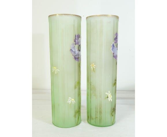 Paire de vases Legras St Denis en verre emaillé décor aux iris