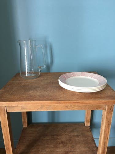 Carafe à eau en verre ciselé