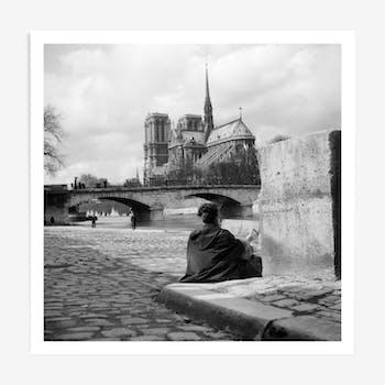 Une cathédrale au bord de l'eau