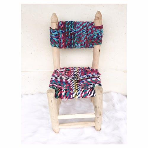 Chaise en tissus recyclés