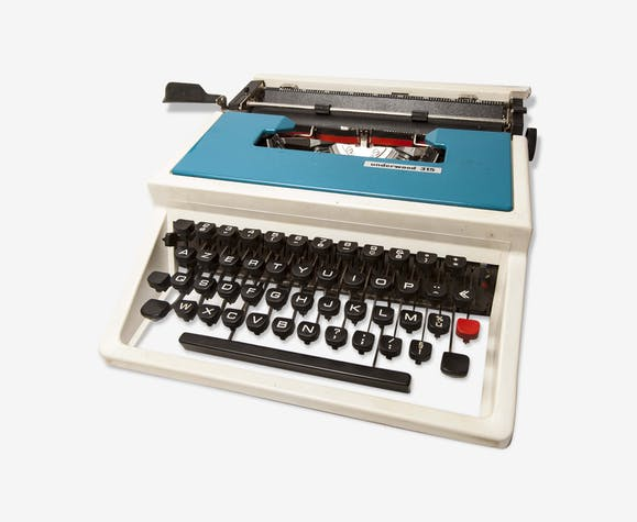Typewriter underwood portable 315 blue with travel case / blue typewriter / 70s, made in spain.