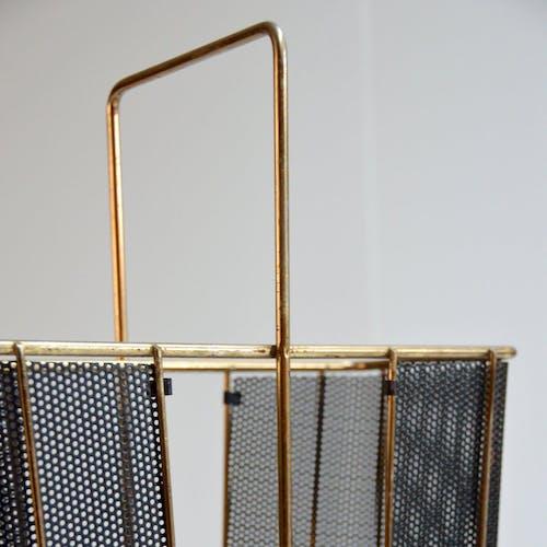 Porte-parapluie en métal perforé 1950s