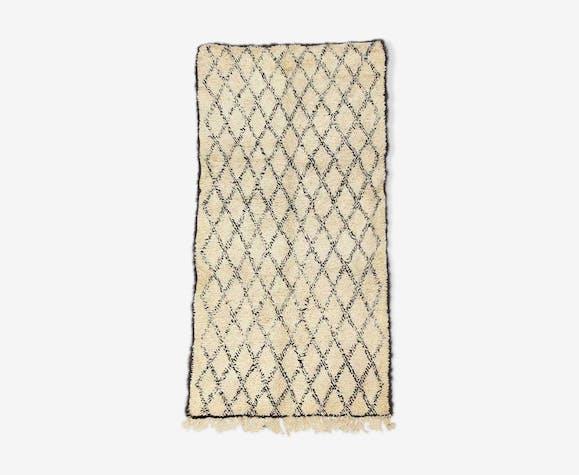 Vintage Beni Ouarain Moroccan Berber carpet 135 x 260 cm