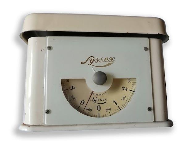 Balance Lyssex des années 50 en métal