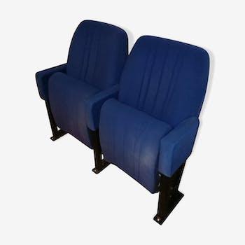 Pair of blue velvet vintage cinema armchairs - Lot 2