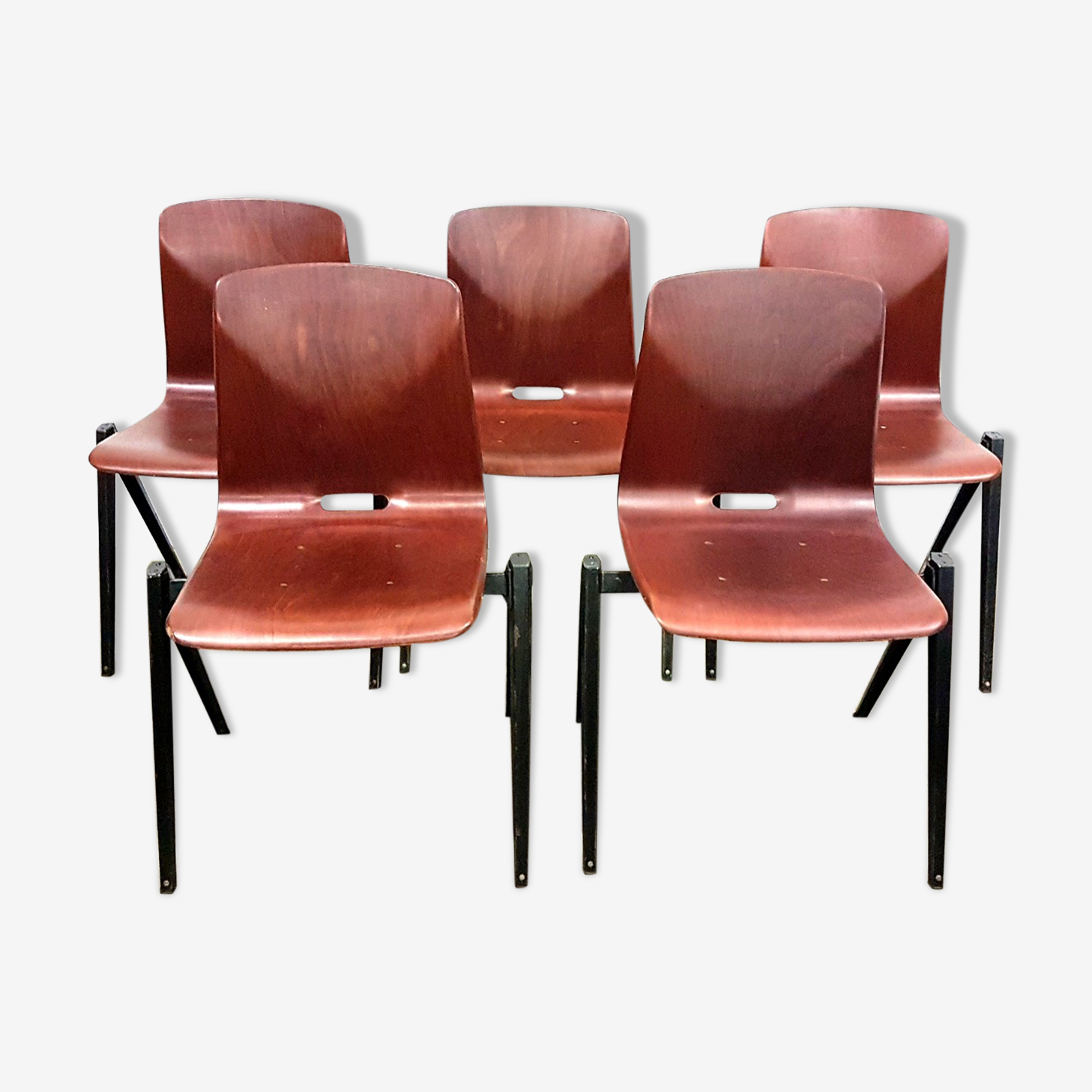 Set of 5 s22 Galvanitas stacking chairs