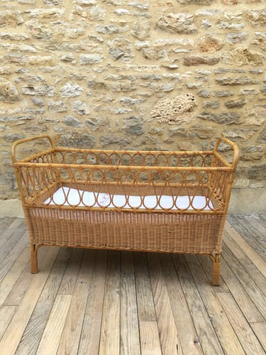 Rattan and wicker bed for children
