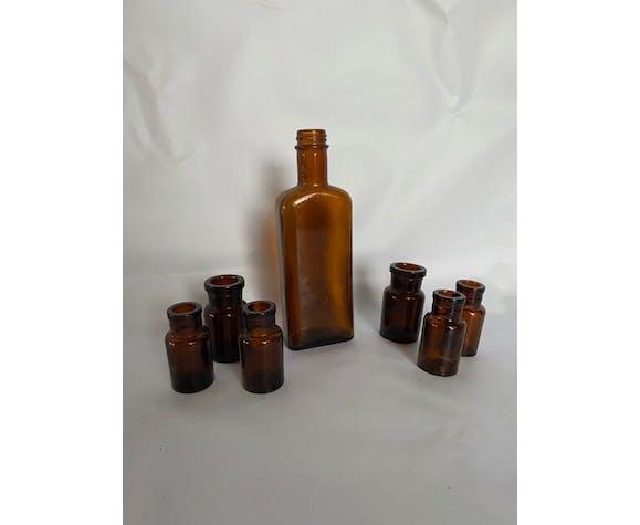 Lot de 7 bouteilles pharmacie