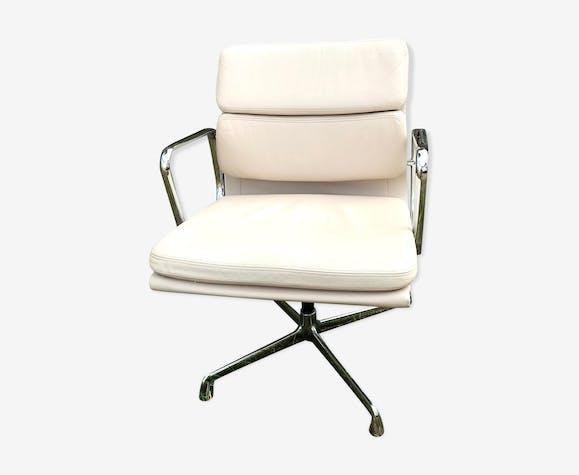 Fauteuil de bureau Design Soft Pad EA 208 Charles et Ray Eames pour Vitra années 60