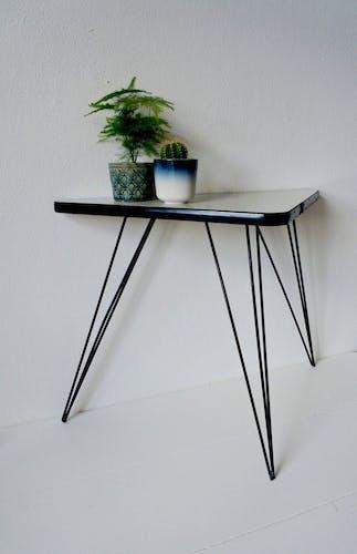 Table triangulaire rétro