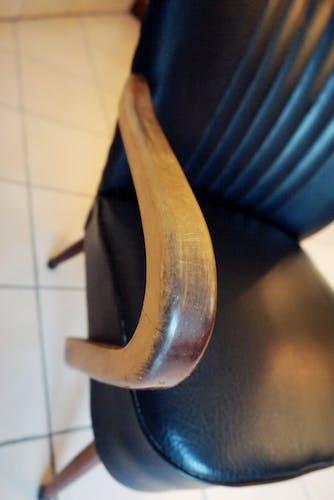Fauteuil coktail noir avec accoudoirs