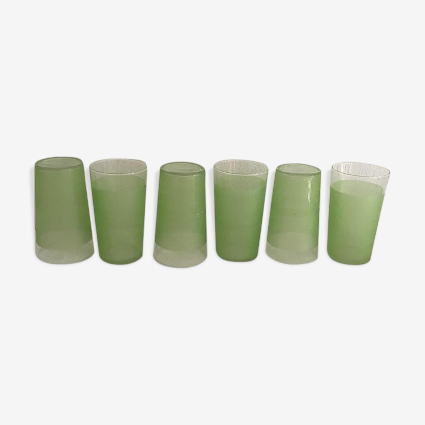 Six verres à orangeade granités en vert des années 60