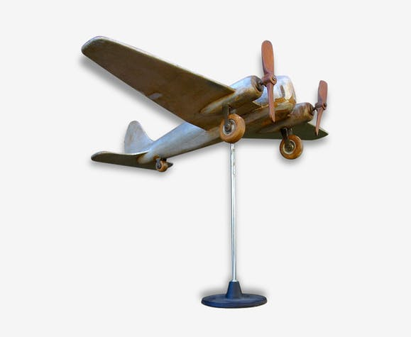 bel avion en bois girouette de jardin bois mat riau. Black Bedroom Furniture Sets. Home Design Ideas