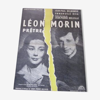 Displays Leon Morin priest.
