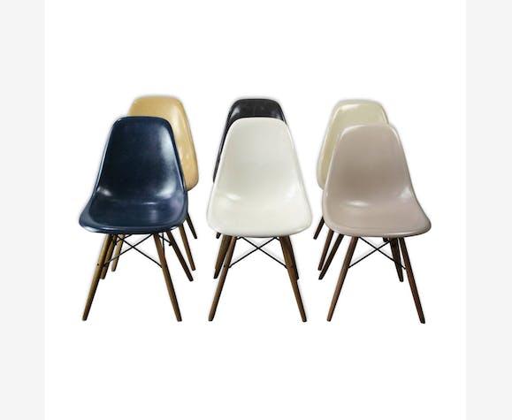 6 chaises DSW par Charles et Ray Eames pour Herman Miller
