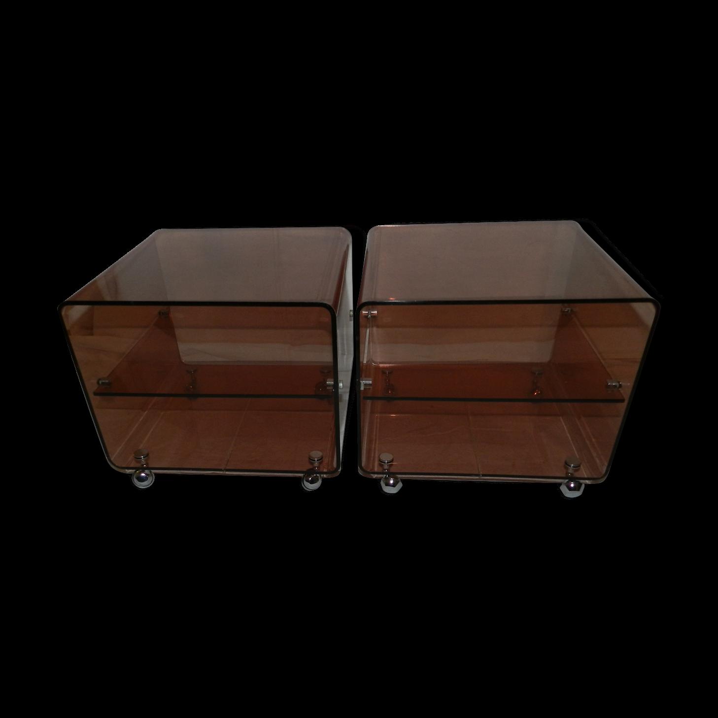 table de chevet en plexiglas chevet chne massif dawud ampm with table de chevet en plexiglas. Black Bedroom Furniture Sets. Home Design Ideas