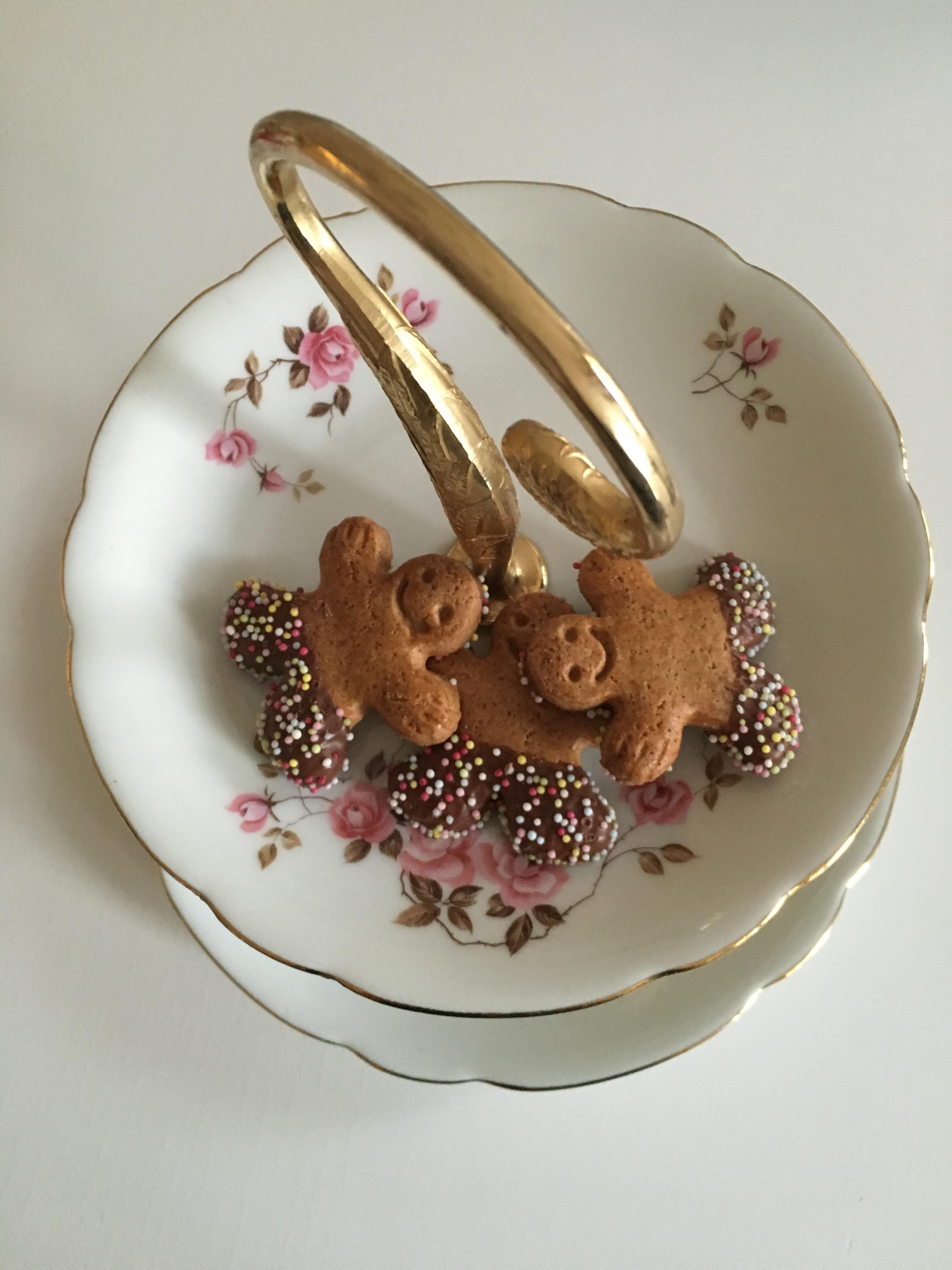 Luxe ETAGERE PORCELAINE BRONZE Etagerie Antique Style Art Déco Gâteaux Support Plaque