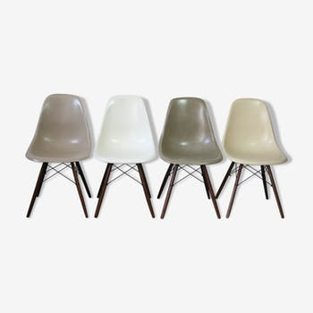 Lot de 4 chaises DSW par Charles et Ray Eames pour Herman Miller