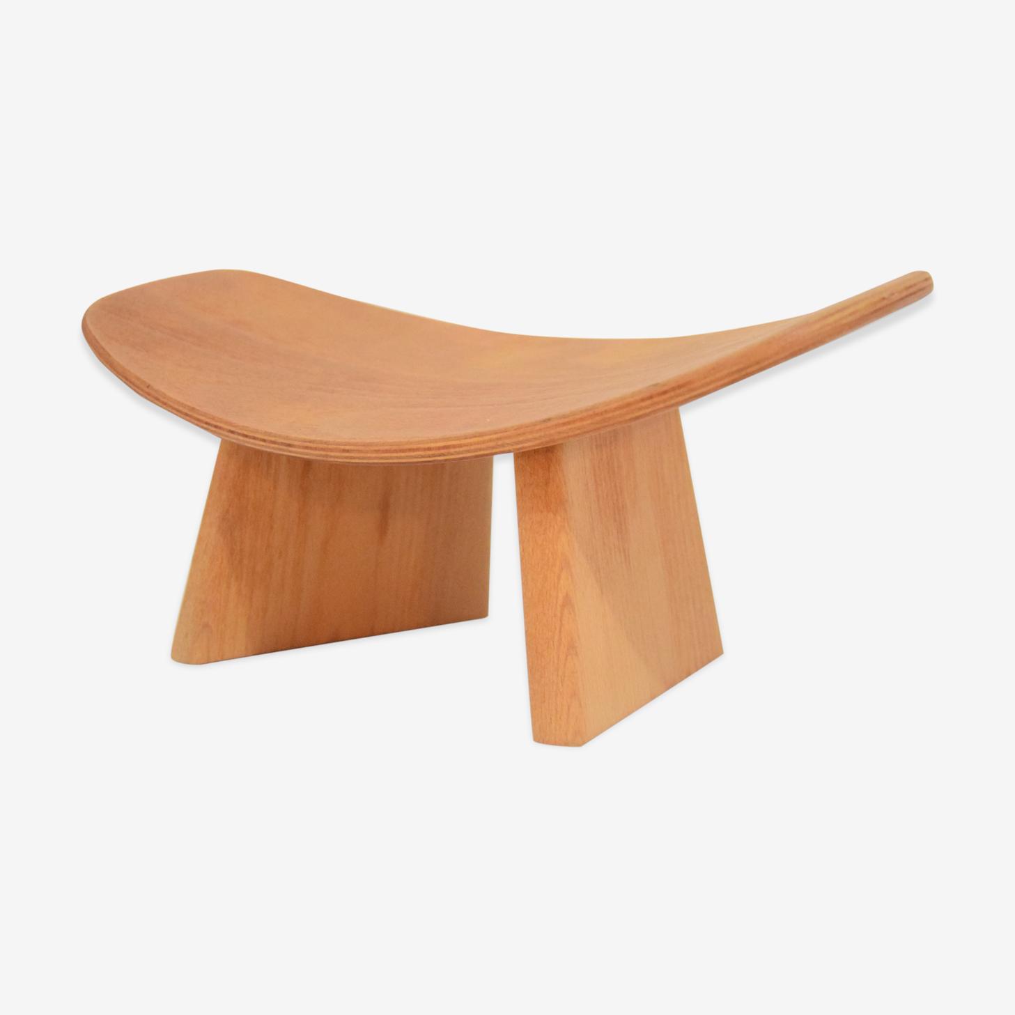 Minimalist stool in solid beech by Alain Gaubert
