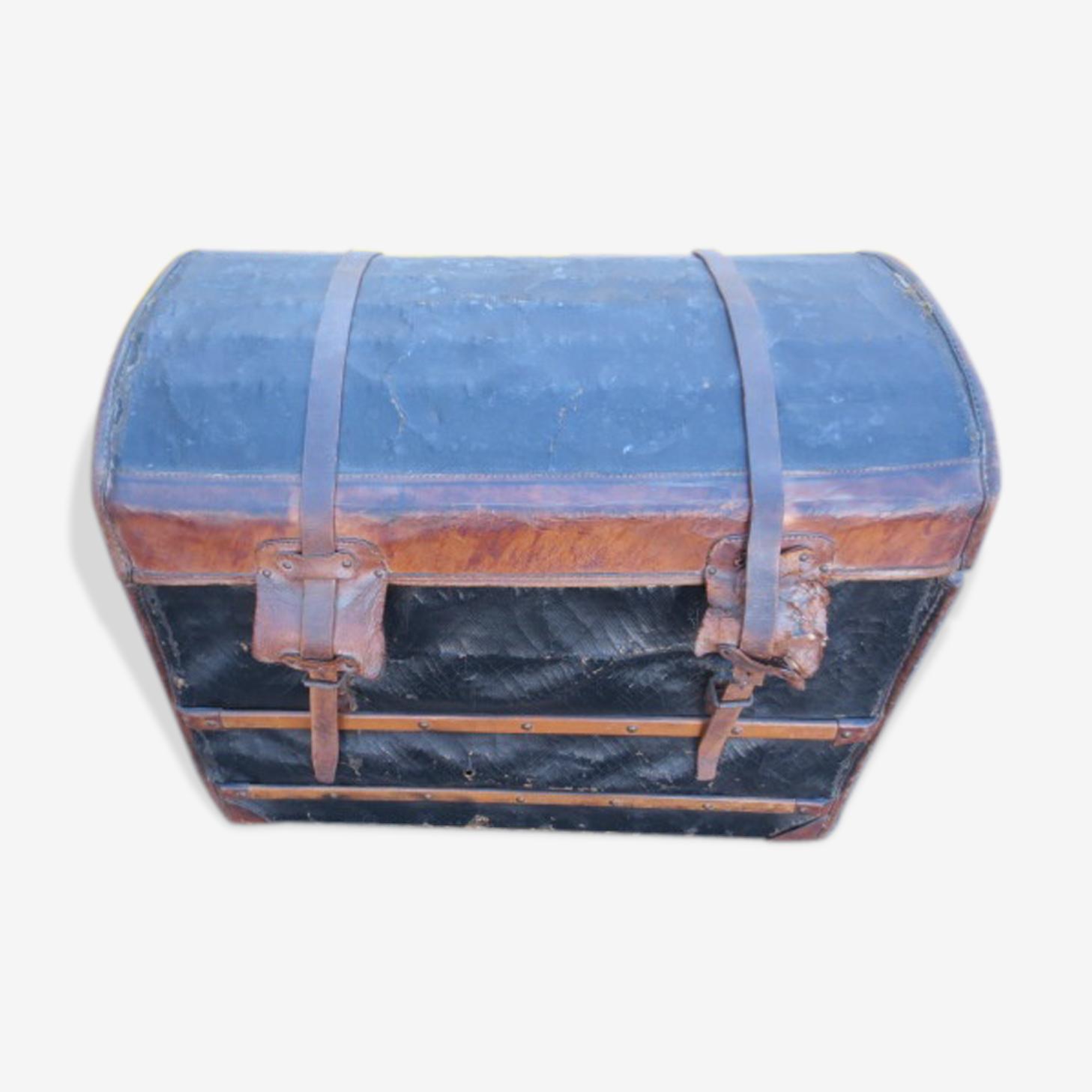 Ancienne malle en cuir