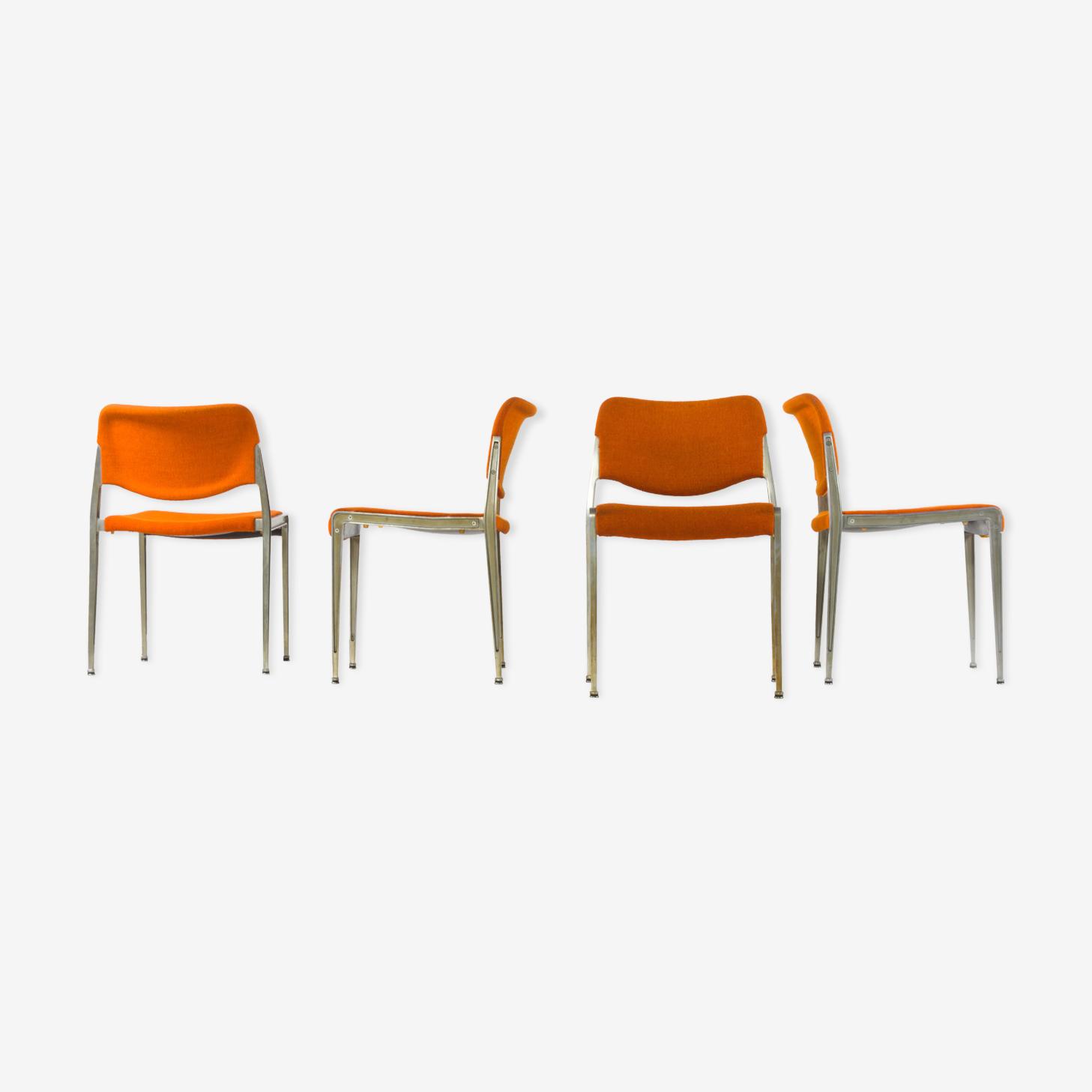 Quatre chaises rembourrées empilables de Kusch