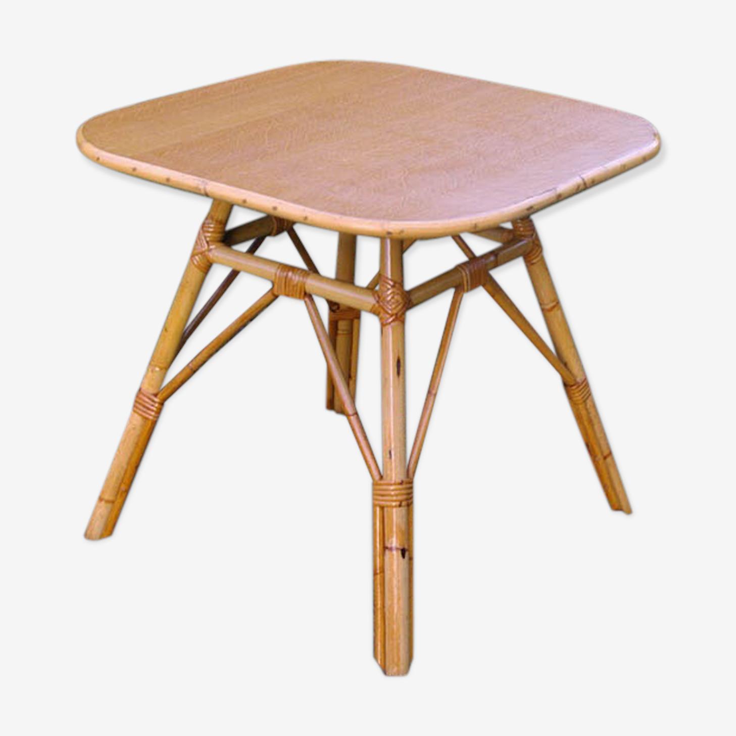 Table basse en rotin carrée
