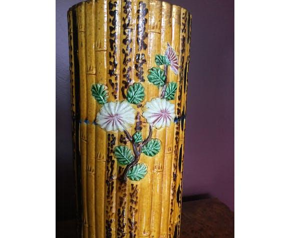 Vase chinois en faience style bambou sur pied bronze