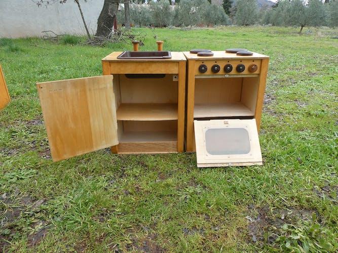 Ensemble de cuisine en bois vintage d'école pour enfant