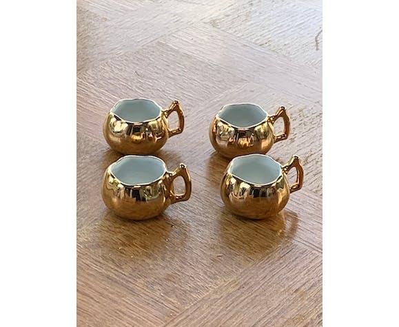 Set de 4 petites tasses barbotine céramique émaillée or et blanche vintage