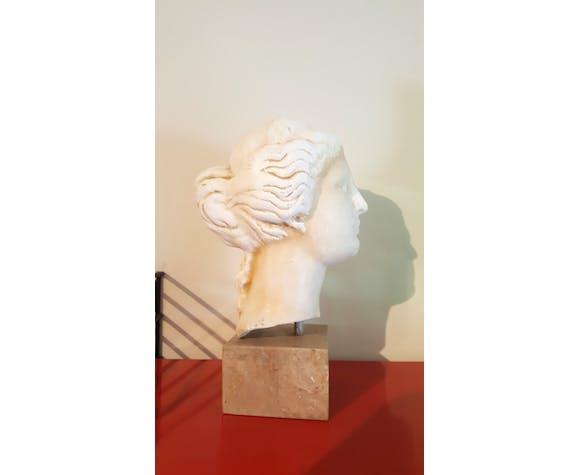 Tête en plâtre de la déesse Hygie