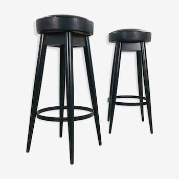 tabouret bois finition shou sugi ban en bois brul avec traitement bois mat riau noir. Black Bedroom Furniture Sets. Home Design Ideas