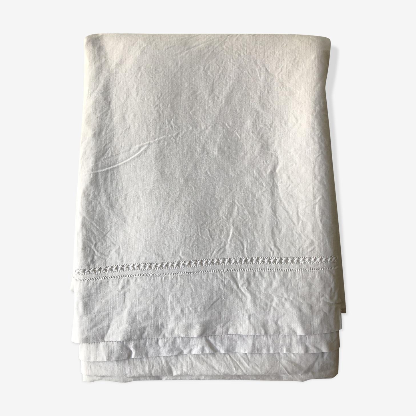 Drap ancien en coton décor ajouré