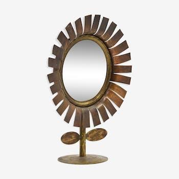 Vintage daisy pose mirror