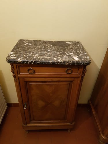 Top marble buffet