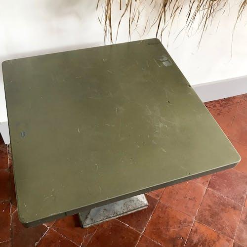 Table Tolix Xavier Pauchard modèle Kub