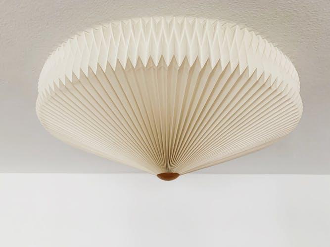 Plafonnier Origami par Kaare Klint pour Le Klint