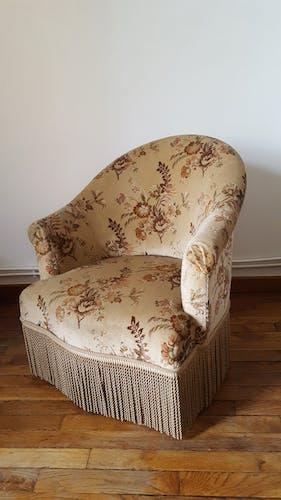Paire de fauteuils crapaud motif tapisserie
