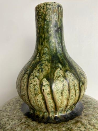Vase émaillé vert