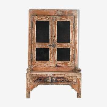 Wooden showcase with one drawer