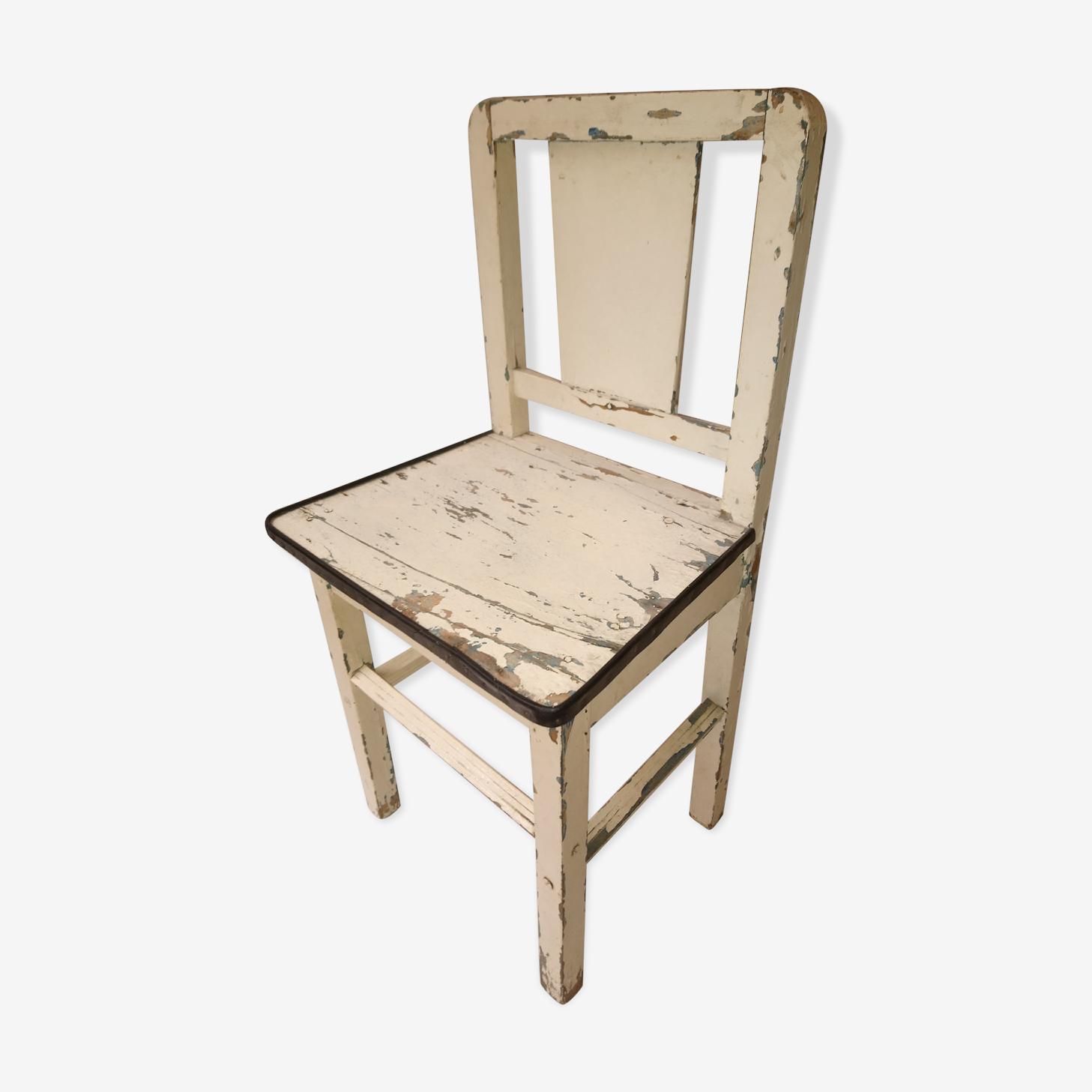 Chaise vintage en bois patiné