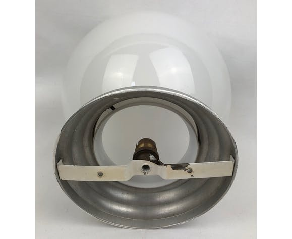 Plafonnier globe en opaline blanche et aluminium, 1950