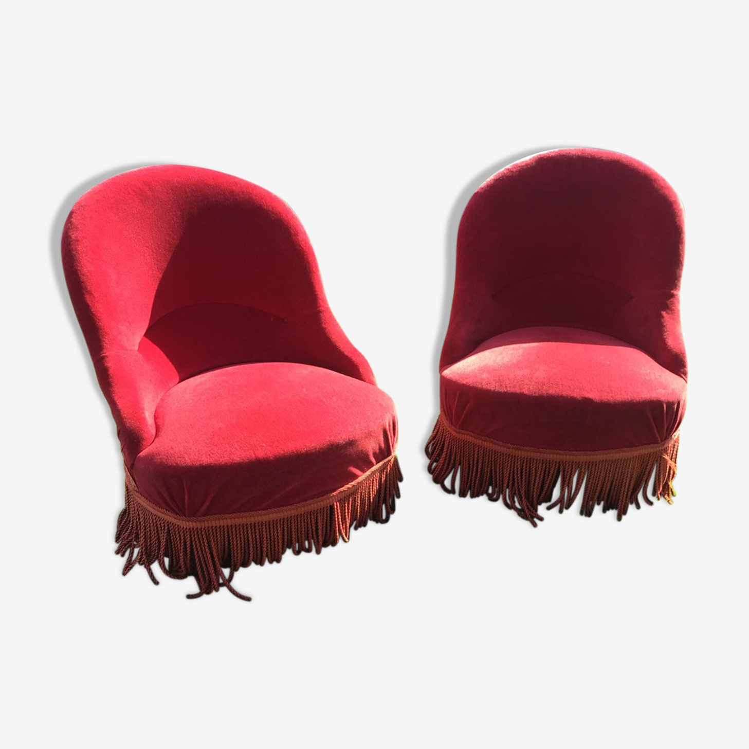 Paire de fauteuils crapaud en velours rouge