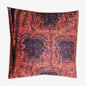 Ethnic cushion in x cover